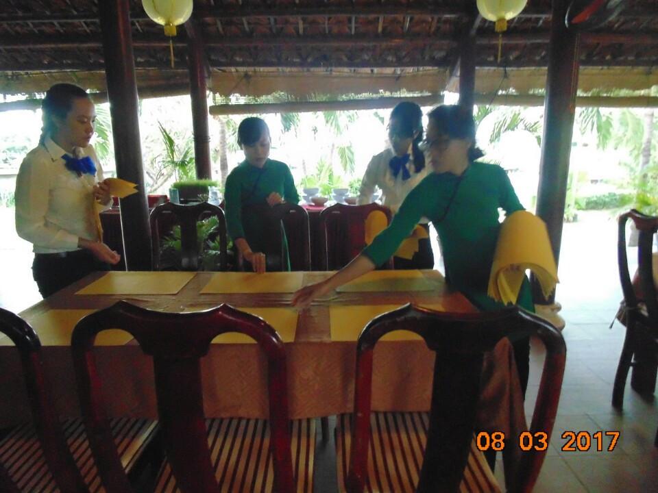 Cách thức Set up bàn ăn tại nhà hàng - Resort Little Paris