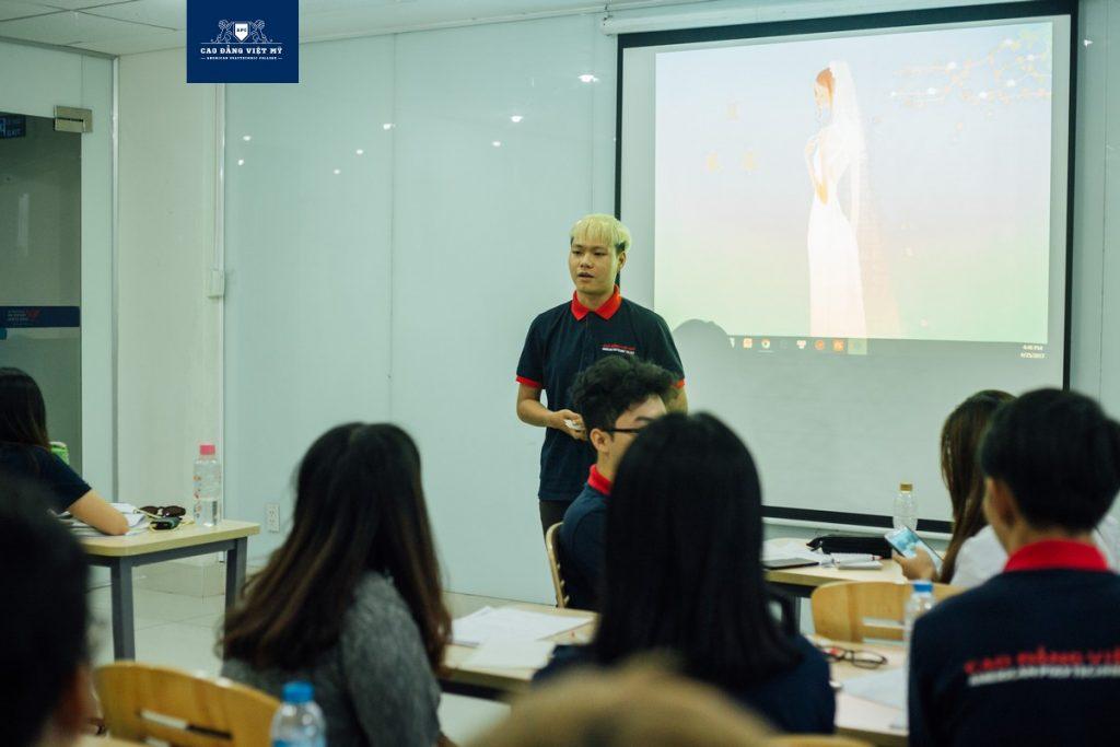 Buổi học chuyên đề Cao Đẳng Việt Mỹ