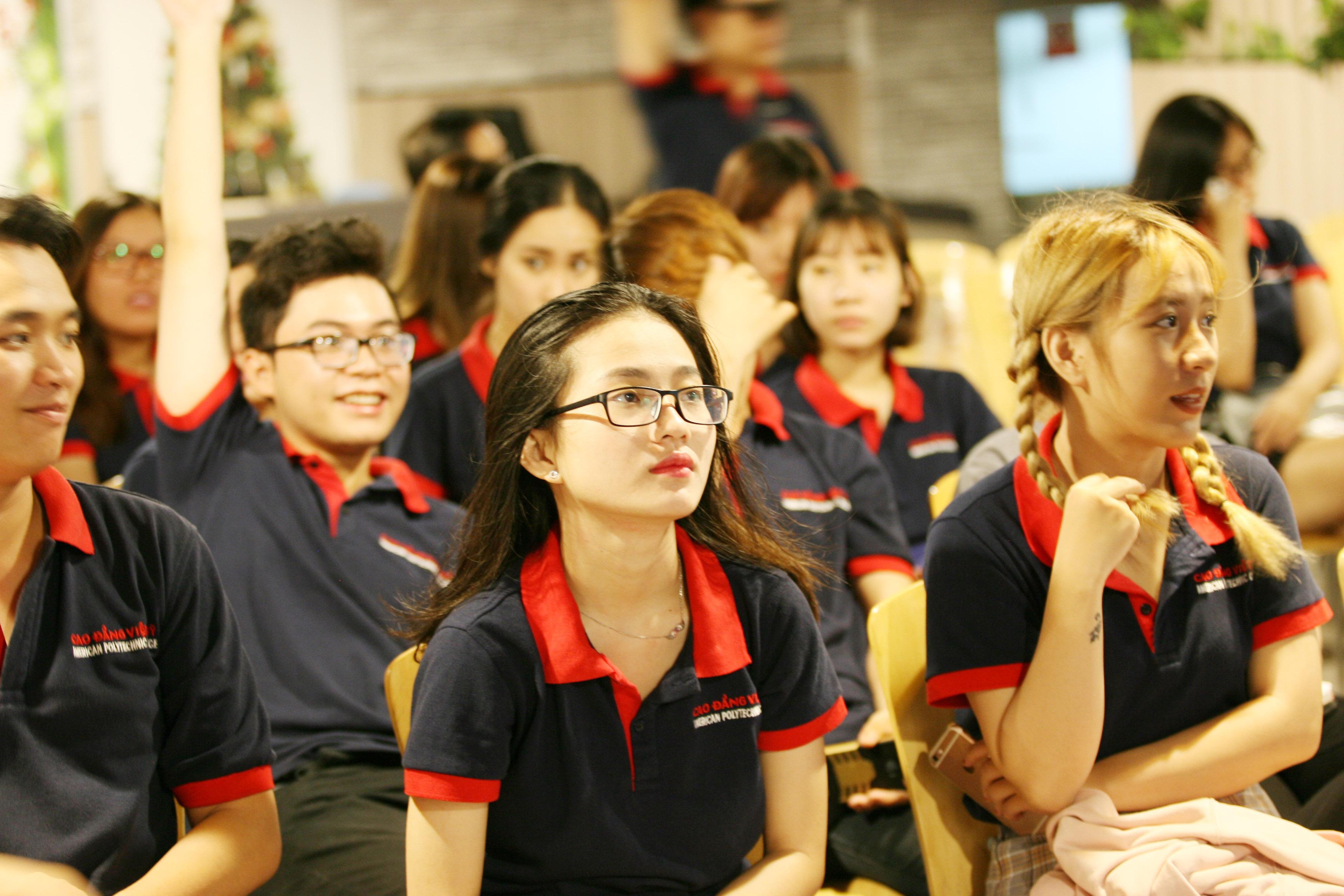 Một buổi hội thảo chuyên đề tại Cao Đẳng Việt Mỹ