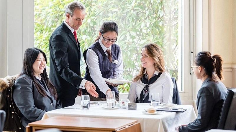 2020] Ngành quản trị khách sạn - Cơ hội việc làm và tiềm năng phát triển