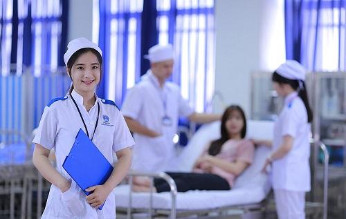 Bậc lương điều dưỡng cao đẳng tại Việt Nam như thế nào?