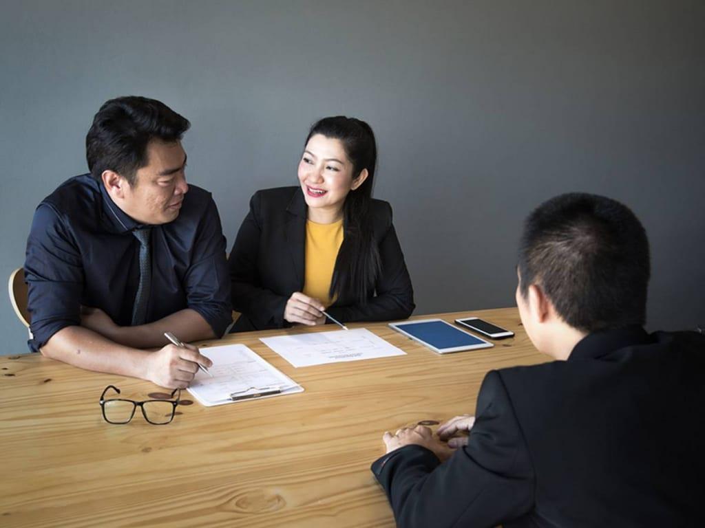 Học phiên dịch hay biên dịch tiếng anh ra làm gì?