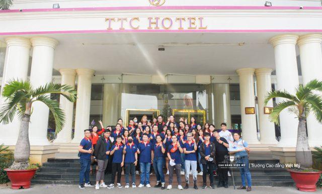Cơ hội thực tập và có việc làm tại nhà hàng khách sạn khi theo học Cao Đẳng Việt Mỹ.