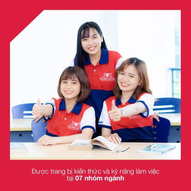 Sinh viên đào tạo kỹ năng cần thiết cho ngành học.